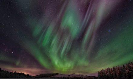 A caccia dell'aurora boreale: abbigliamento artico e attrezzatura fotografica