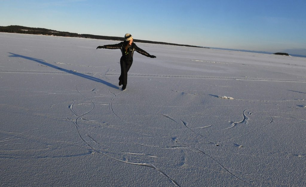 Io che pattino sul Mar Baltico ghiacciato ©Edoardo Miola