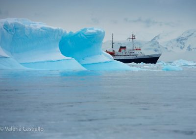 Antarpply - Our ice strenghtened vessel Ushuaia