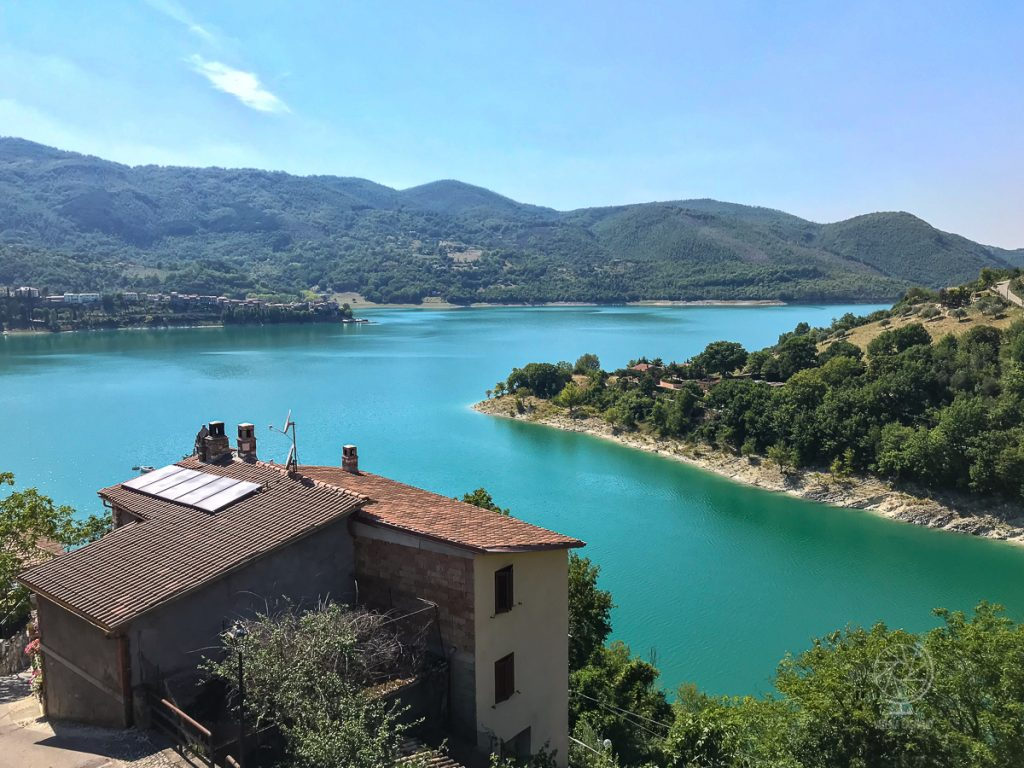 Castel di Tora_Lago Turano ©Valeria Castiello