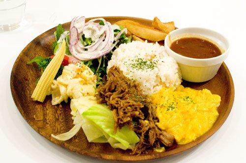 Yoshoku, cibo con influenze occidentali che mangiano in Giappone