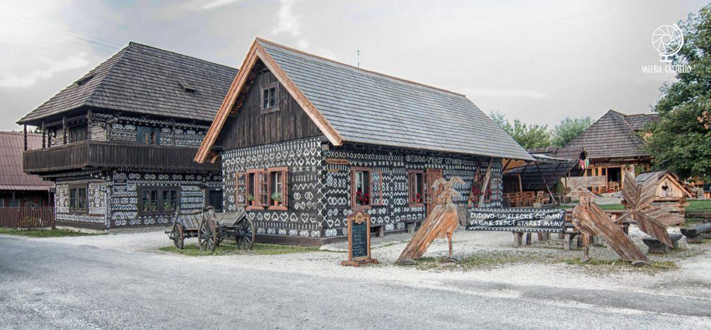 Il villaggio di Čičmany in Slovacchia: qui il folklore è più vivo che mai!