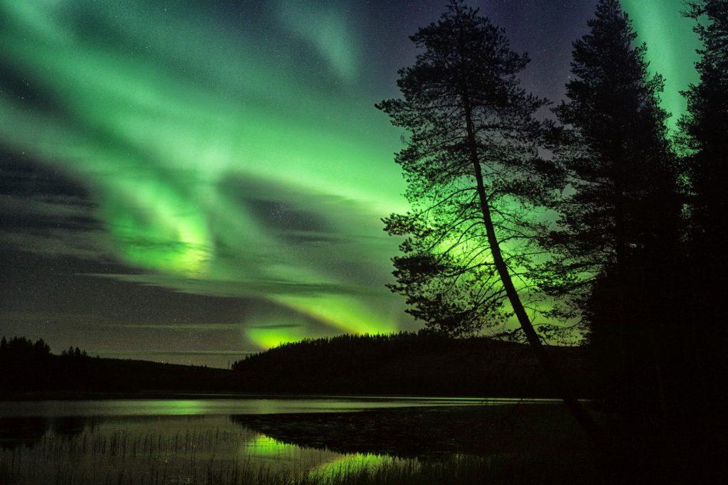 A caccia dell'aurora boreale: abbigliamento tecnico e attrezzatura fotografica