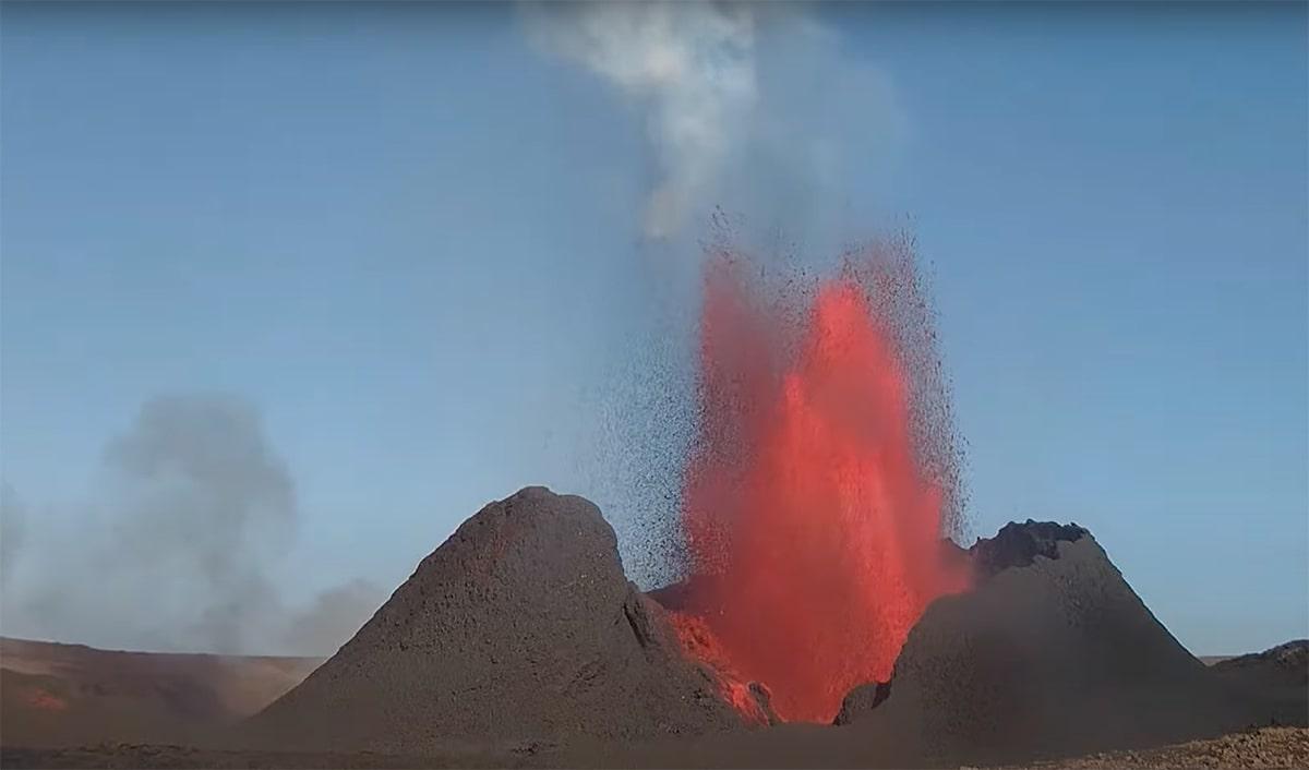 Vulcano Islanda 2021_Geysir di fuoco