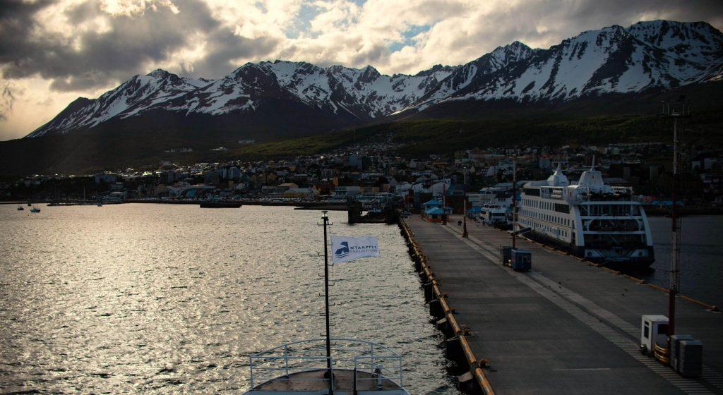 Porto di Ushuaia, da dove partono le navi per l'Antartide