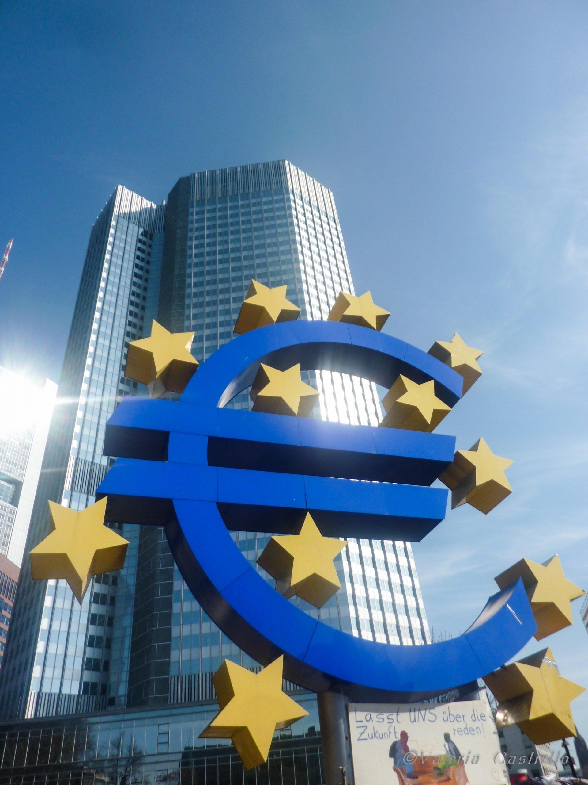 BCE. In basso il cartello: