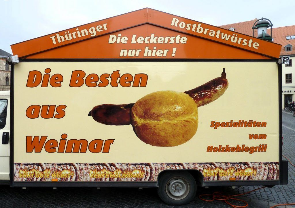 Cosa fare in Turingia? Provare il cibo tipico, ovvero il Thüringer Rostbratwurst