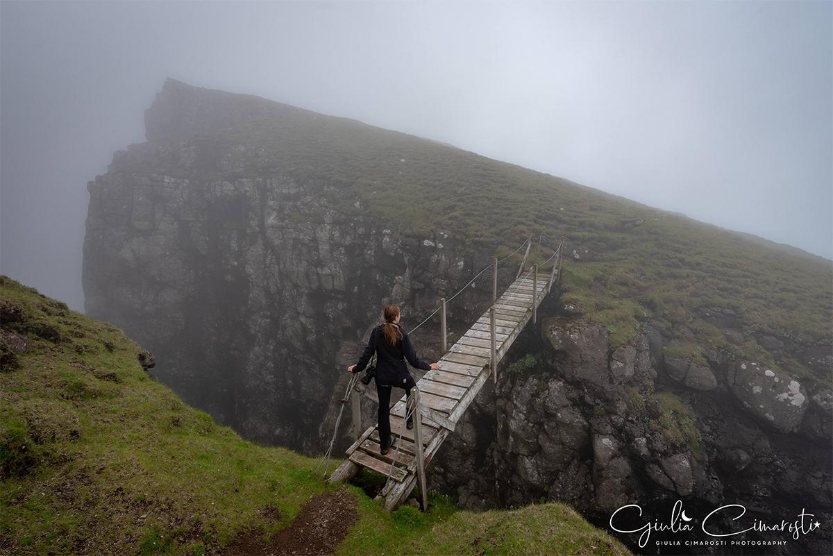 Far_oer_trekking_Suduroy_nebbia